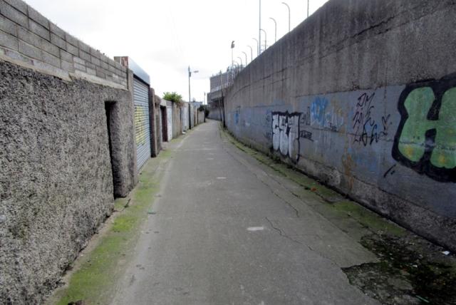 Jos Dublinissa kuvattaisiin Football Factoryn uudelleenfilmatisointi, löytyisi Dalymount Parkin ympäristöstä hyviä kuvauspaikkoja...