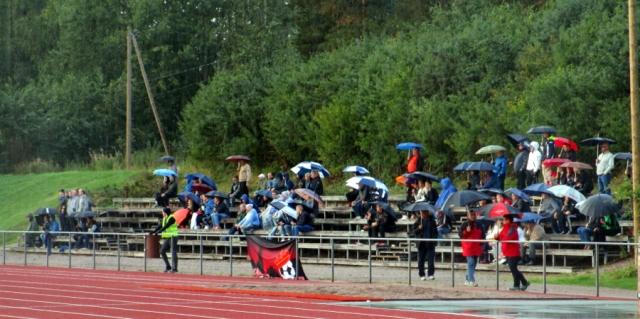 Ottelun lopussa nähtiin upea sateenvarjotifo.